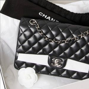 715c8e9776b574 CHANEL · Authentic CHANEL Lambskin Medium Double Flap Black
